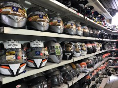 Grand destockage casques de moto - 40%